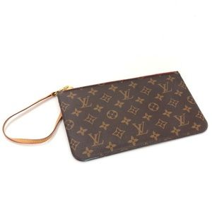 ISO Louis Vuitton MM/GM Wristlet or Pouch